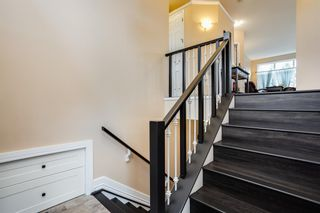 Photo 2: 582 Fairways Crescent NW: Airdrie Detached for sale : MLS®# A1143873