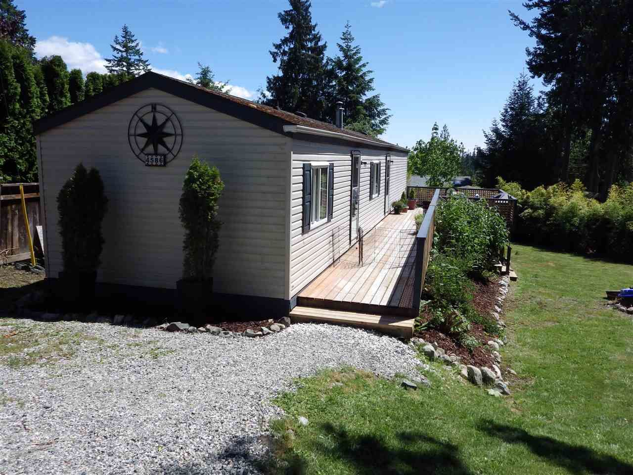 Main Photo: 4586 ESQUIRE Place in Pender Harbour: Pender Harbour Egmont Manufactured Home for sale (Sunshine Coast)  : MLS®# R2586620