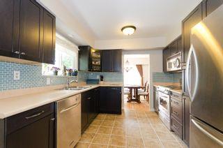 """Photo 12: 964 51A Street in Tsawwassen: Tsawwassen Central House  in """"TSAWWASSEN CENTRAL"""" : MLS®# V898853"""