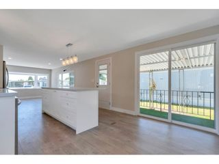 """Photo 7: 181 1840 160 Street in Surrey: King George Corridor Manufactured Home for sale in """"BREAKAWAY BAYS"""" (South Surrey White Rock)  : MLS®# R2585723"""