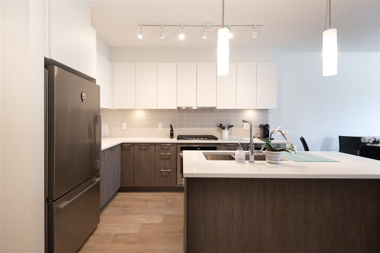 """Main Photo: 208 625 E 3RD Street in North Vancouver: Lower Lonsdale Condo for sale in """"Kindred"""" : MLS®# R2583491"""