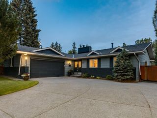 Photo 1: 207 WILLOW RIDGE Place SE in Calgary: Willow Park Detached for sale : MLS®# C4302398