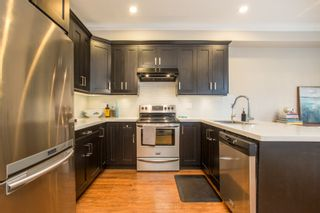"""Photo 3: 1 9131 WILLIAMS Road in Richmond: Saunders Townhouse for sale in """"WHITESIDE GARDENS"""" : MLS®# R2534711"""