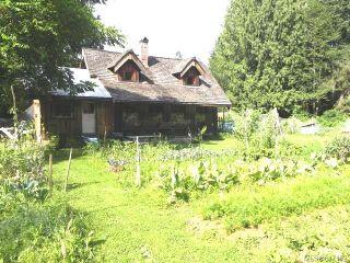 Photo 1: 5458 Prendergast Rd in COURTENAY: CV Courtenay West House for sale (Comox Valley)  : MLS®# 647182