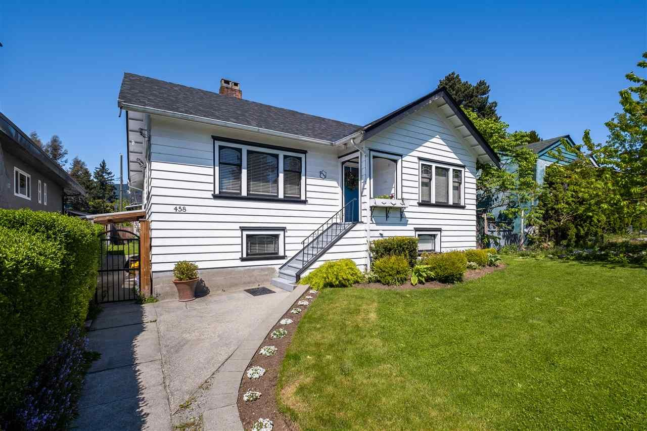 Main Photo: 458 E 11TH STREET in North Vancouver: Central Lonsdale House for sale : MLS®# R2453585