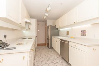 """Photo 5: 111 3670 BANFF Court in North Vancouver: Northlands Condo for sale in """"PARKGATE MANOR"""" : MLS®# R2617167"""