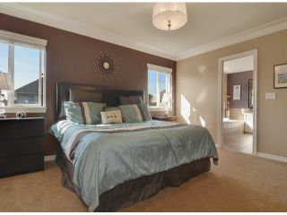 Photo 7: 7057 196B ST in Langley: Willoughby Heights House for sale : MLS®# F1306786
