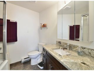 """Photo 10: 709 15111 RUSSELL Avenue: White Rock Condo for sale in """"PACIFIC TERRACE"""" (South Surrey White Rock)  : MLS®# F1405374"""