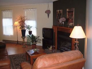 Photo 2: 4 15989 Marine Dr in White Rock: Home for sale