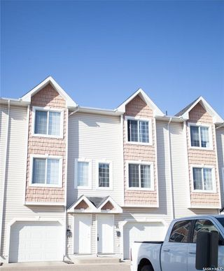 Photo 3: 14 243 Herold Terrace in Saskatoon: Lakewood S.C. Residential for sale : MLS®# SK873679