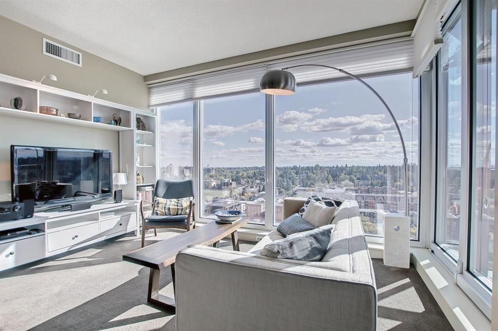 Main Photo: 1705 817 15 Avenue SW in Calgary: Beltline Apartment for sale : MLS®# A1147709