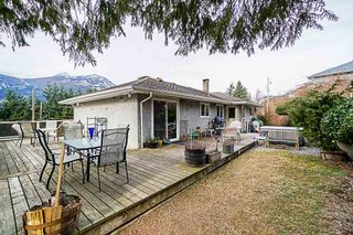 Photo 16: 38100 CLARKE Drive in Squamish: Hospital Hill House for sale : MLS®# R2340968
