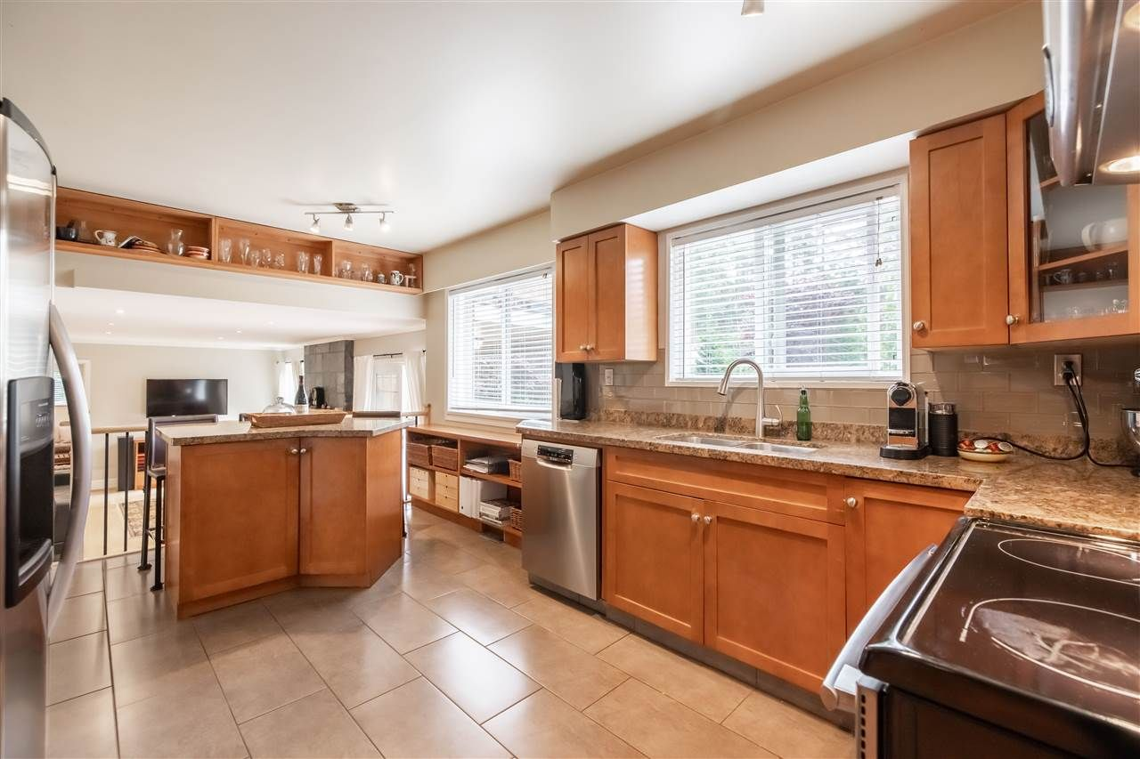 "Photo 12: Photos: 11064 64A Avenue in Delta: Sunshine Hills Woods House for sale in ""SUNSHINE HILLS"" (N. Delta)  : MLS®# R2500699"
