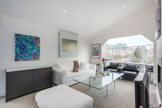 """Photo 8: 401 1340 DUCHESS Avenue in West Vancouver: Ambleside Condo for sale in """"Duchess Lane"""" : MLS®# R2594864"""