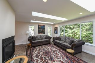 Photo 10: 737 Sand Pines Dr in : CV Comox Peninsula House for sale (Comox Valley)  : MLS®# 873469