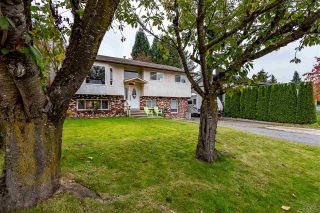 Photo 2: 26447 28B Avenue in Langley: Aldergrove Langley House for sale : MLS®# R2512765