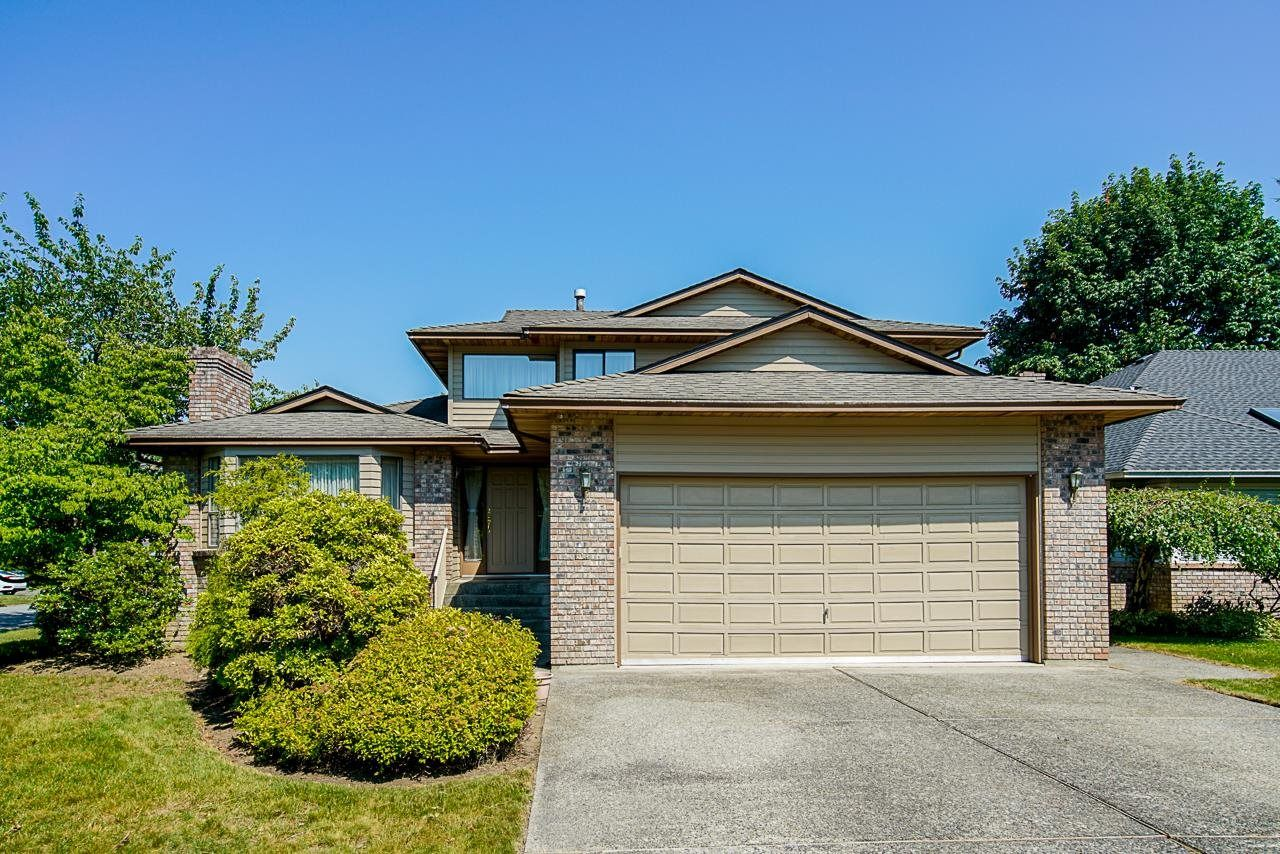 Main Photo: 10068 157A Street in Surrey: Guildford House for sale (North Surrey)  : MLS®# R2598453