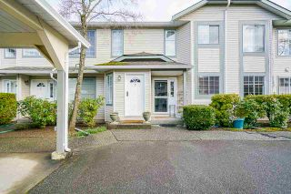 """Photo 5: 7 5760 174 Street in Surrey: Cloverdale BC Townhouse for sale in """"Stetson Village"""" (Cloverdale)  : MLS®# R2559810"""