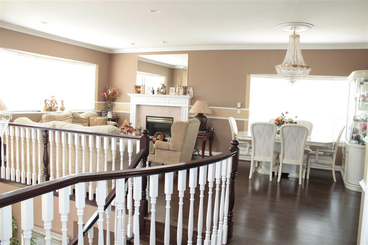 Photo 2: Photos: 6521 HOLLY PARK DRIVE in Delta: Holly House for sale (Ladner)  : MLS®# R2021898
