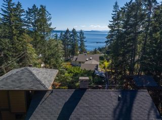 Photo 3: 3721 Privateers Rd in : GI Pender Island House for sale (Gulf Islands)  : MLS®# 854926