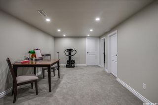 Photo 34: 327 Whiteswan Drive in Saskatoon: Lawson Heights Residential for sale : MLS®# SK870005