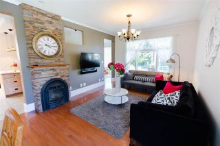 """Photo 3: 715 FOURTH Street in New Westminster: GlenBrooke North House for sale in """"Glenbrooke North"""" : MLS®# R2492416"""
