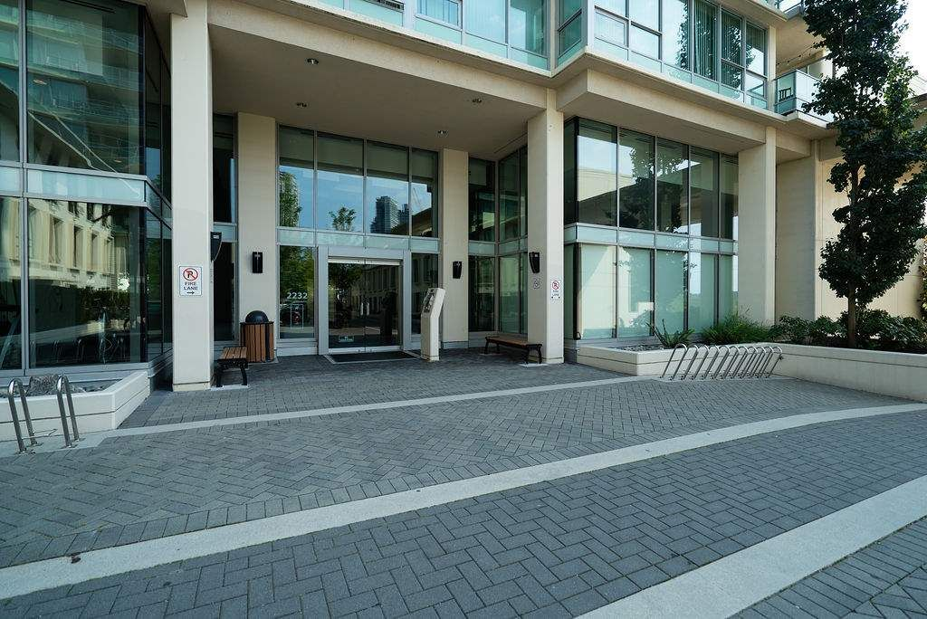 Photo 2: Photos: 402 2232 DOUGLAS ROAD in Burnaby: Brentwood Park Condo for sale (Burnaby North)  : MLS®# R2495564