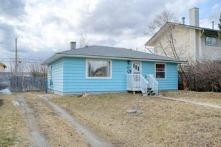 Photo 2: 4747 Montana Crescent NW in Calgary: Montgomery Detached for sale : MLS®# A1084038