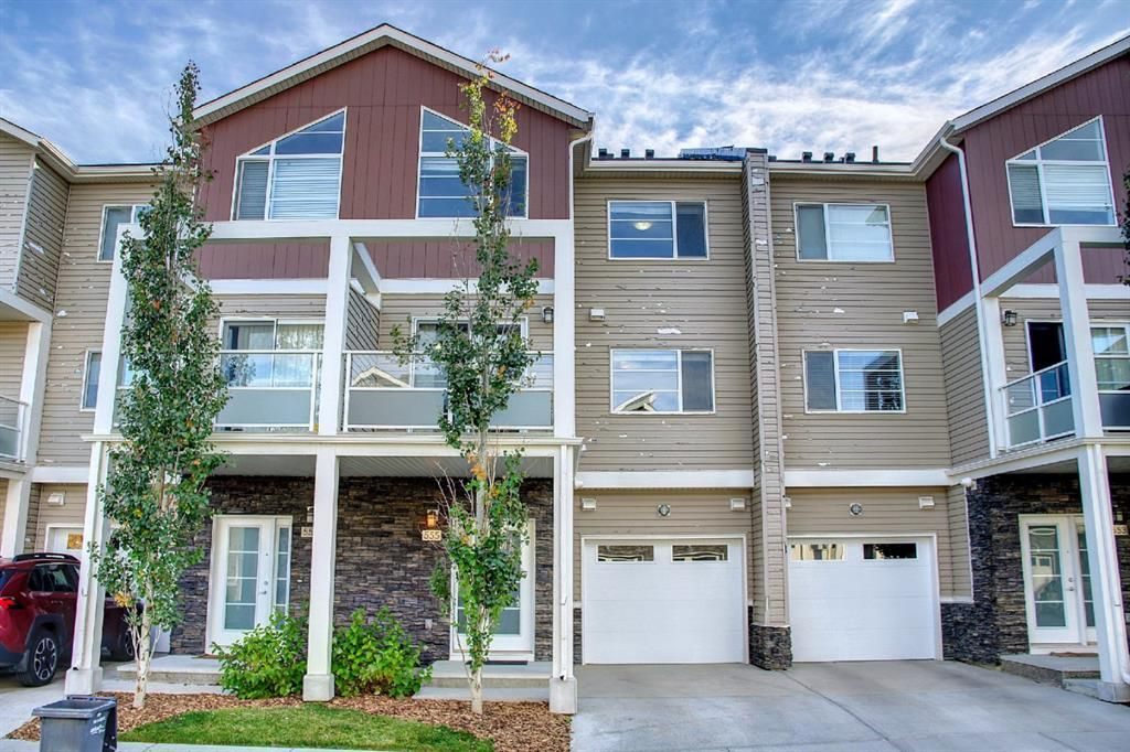 Main Photo: 555 Redstone View NE in Calgary: Redstone Row/Townhouse for sale : MLS®# A1149779