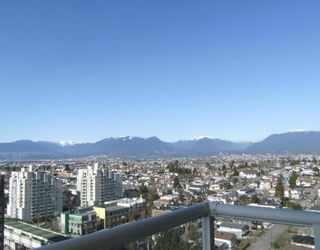 """Photo 8: 2005 5189 GASTON Street in Vancouver: Collingwood VE Condo for sale in """"THE MACGREGOR"""" (Vancouver East)  : MLS®# V812038"""