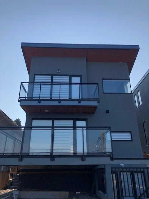 Photo 5: Photos: 14 Ellesmere Road in Burnaby: Capitol Hill House for rent (Burnaby North)