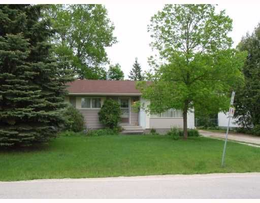 Main Photo: 881 LAXDAL Road in WINNIPEG: Charleswood Residential for sale (South Winnipeg)  : MLS®# 2810704