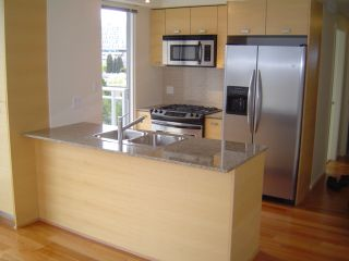 """Photo 10: 803 2483 SPRUCE Street in Vancouver: Fairview VW Condo for sale in """"SKYLINE ON BROADWAY"""" (Vancouver West)  : MLS®# V797426"""
