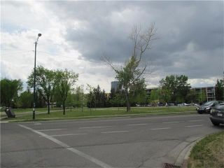 Photo 19: 640 8 Avenue NE in Calgary: Renfrew House for sale : MLS®# C4066207