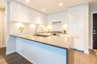 """Photo 5: 316 5687 GRAY Avenue in Vancouver: University VW Condo for sale in """"Eton"""" (Vancouver West)  : MLS®# R2428774"""