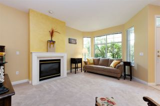 """Photo 3: 152 2979 PANORAMA Drive in Coquitlam: Westwood Plateau Townhouse for sale in """"Deercrest Estates"""" : MLS®# R2411444"""