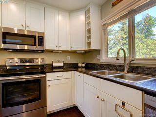 Photo 10: 3185 Monnington Pl in VICTORIA: La Glen Lake Half Duplex for sale (Langford)  : MLS®# 793814