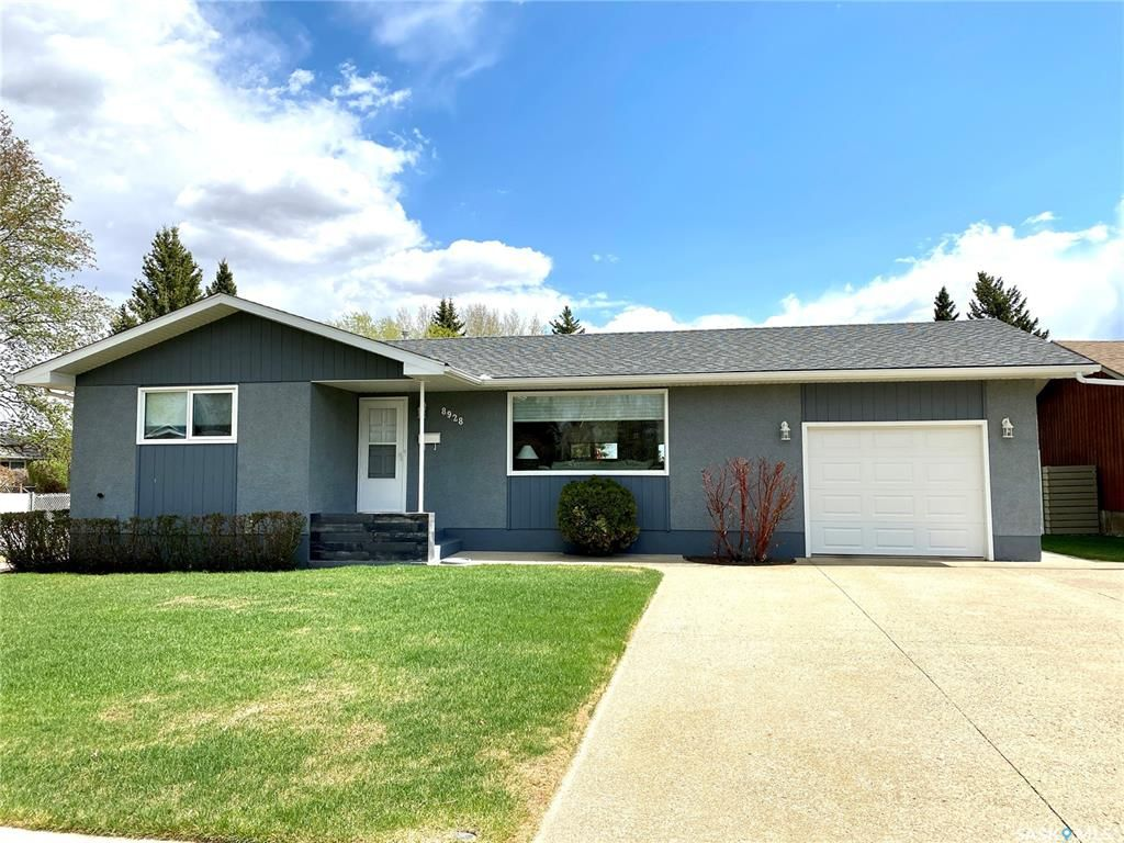 Main Photo: 8928 Thomas Avenue in North Battleford: Maher Park Residential for sale : MLS®# SK857233