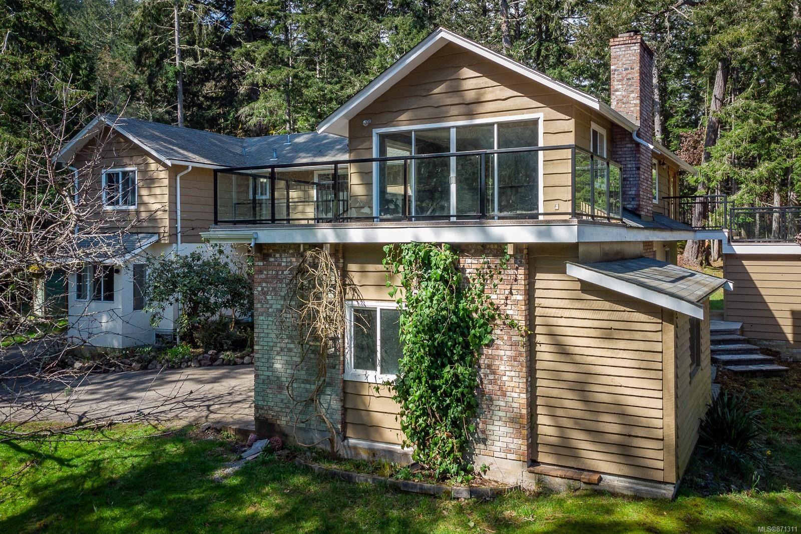 Main Photo: 1075 Matheson Lake Park Rd in : Me Pedder Bay House for sale (Metchosin)  : MLS®# 871311