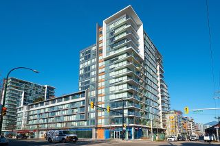 """Photo 1: 528 1783 MANITOBA Street in Vancouver: False Creek Condo for sale in """"Residences at West"""" (Vancouver West)  : MLS®# R2595306"""