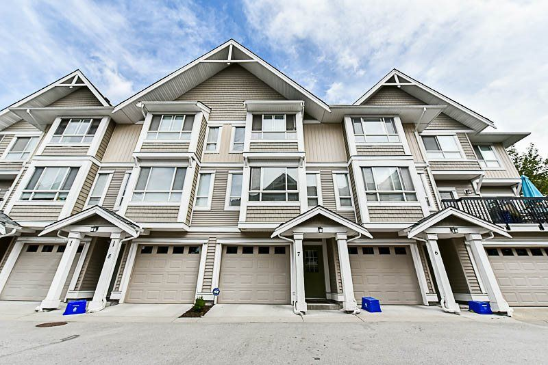 """Main Photo: 7 20159 68 Avenue in Langley: Willoughby Heights Townhouse for sale in """"Vantage"""" : MLS®# R2187732"""