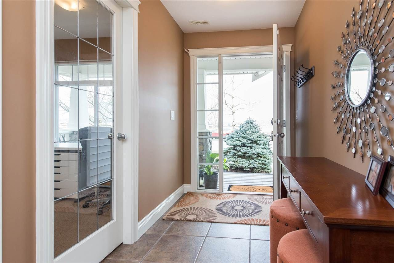 """Photo 6: Photos: 34914 2 Avenue in Abbotsford: Poplar House for sale in """"Huntingdon Village"""" : MLS®# R2548984"""
