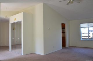 Photo 10: 8 Eagle Lane in View Royal: VR Glentana Manufactured Home for sale : MLS®# 843897