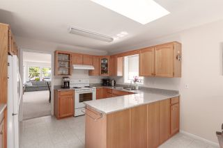 Photo 9: 5111 CENTRAL AVENUE in Delta: Hawthorne House for sale (Ladner)  : MLS®# R2398006