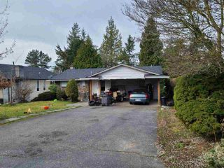 Photo 2: 5865 182 Street in Surrey: Cloverdale BC House for sale (Cloverdale)  : MLS®# R2552439
