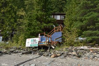 Photo 1: 3 Aline Hill Beach in Shuswap Lake: The Narrows House for sale : MLS®# 10152873