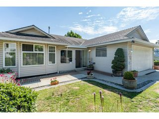"""Photo 2: 2316 MOUNTAIN Drive in Abbotsford: Abbotsford East House for sale in """"MOUNTAIN VILLAGE"""" : MLS®# R2388471"""