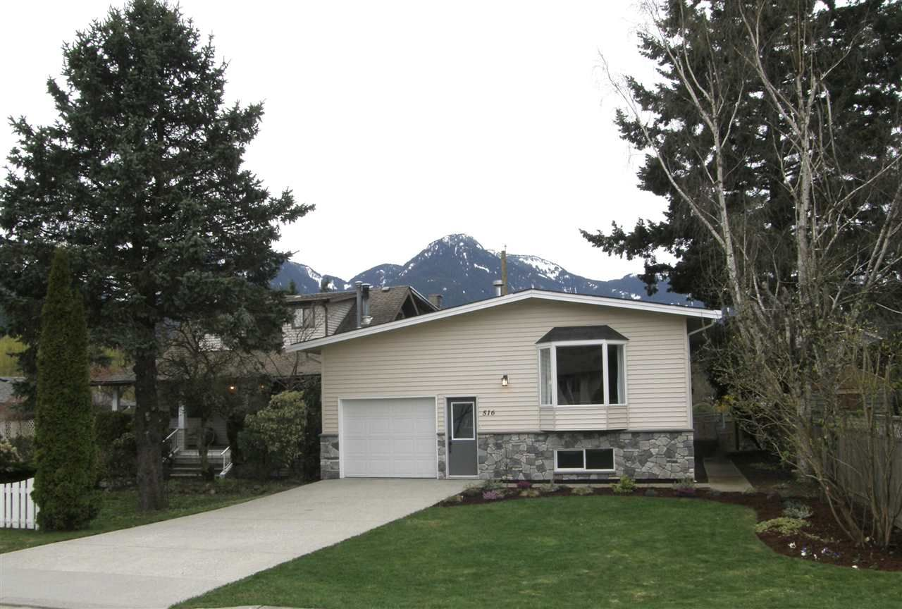 Main Photo: 516 4TH Avenue in Hope: Hope Center House for sale : MLS®# R2256248