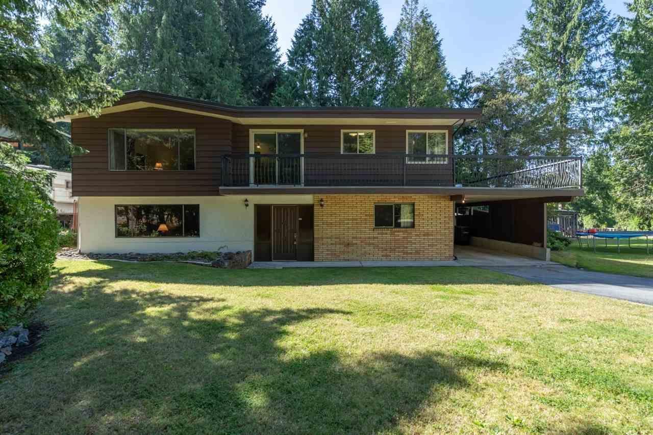 "Main Photo: 2556 THE BOULEVARD in Squamish: Garibaldi Highlands House for sale in ""Garibaldi Highlands"" : MLS®# R2487286"