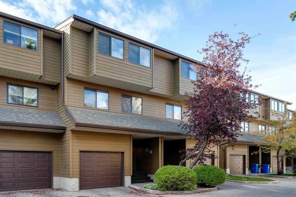 Main Photo: 109 3131 63 Avenue SW in Calgary: Lakeview Row/Townhouse for sale : MLS®# A1151167